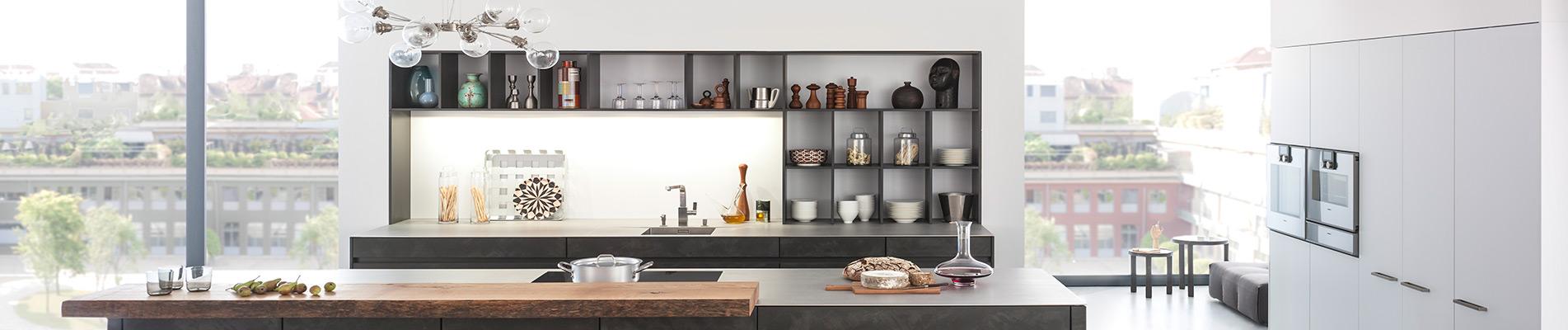 Helle, moderne Küche der Marke Leicht